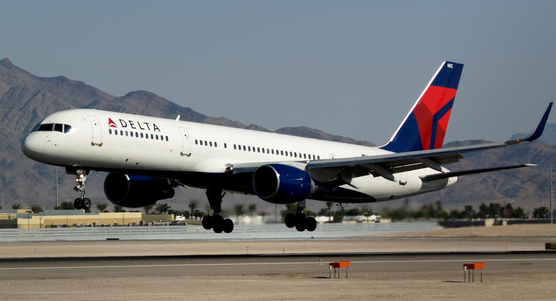 delta_air_lines_new_livery_boeing_757-232_with_winglets_n703tw_1850694316